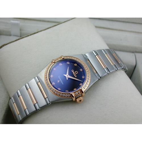 欧米茄星座系列女士手表 外壳镶钻包18K玫瑰金钢带罗马外壳两针钻石刻度黑面瑞士石英女表