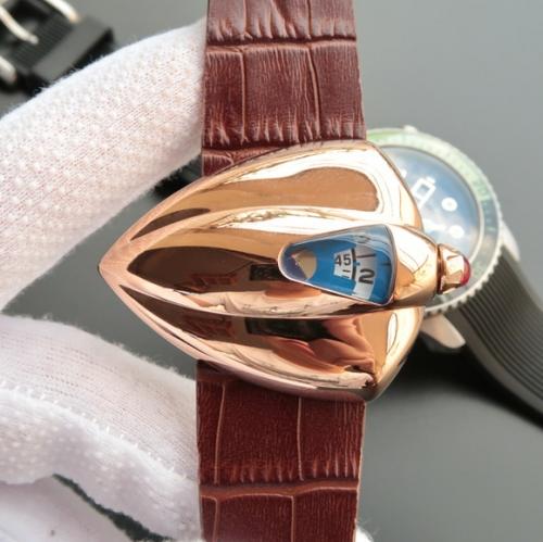 星际迷航》VSDeBethune腕表设计师以《星际迷航》(StarTrek)中的宇宙飞船为灵感发想,打造了极具视觉冲击力的表壳设计,皮表带,自动机械机芯,男士手表,透底