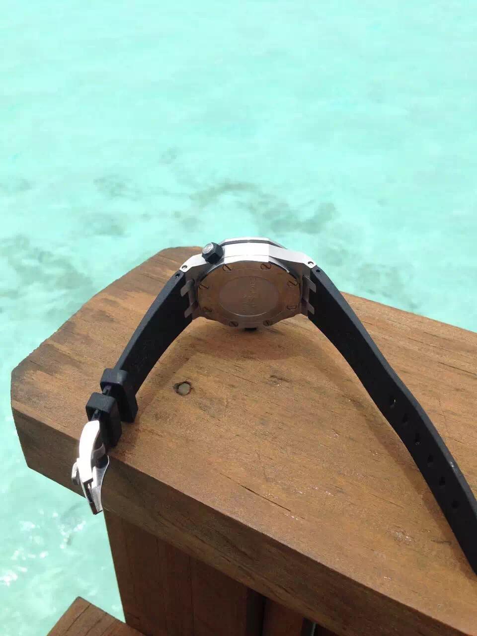 爱彼-Audemars Piguet 皇家橡树离岸型系列 Royal Oak Offshore 15710ST.OO.A002CA.01 男士机械手表