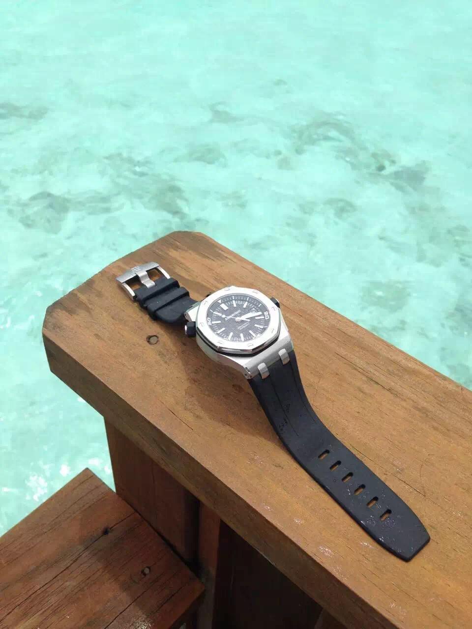 爱彼-Audemars Piguet 皇家橡树离岸型系列 Royal Oak Offshore 15703ST.OO.A002CA.01.01 男士机械手表